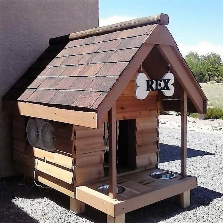 wooden-pallet-dog-house