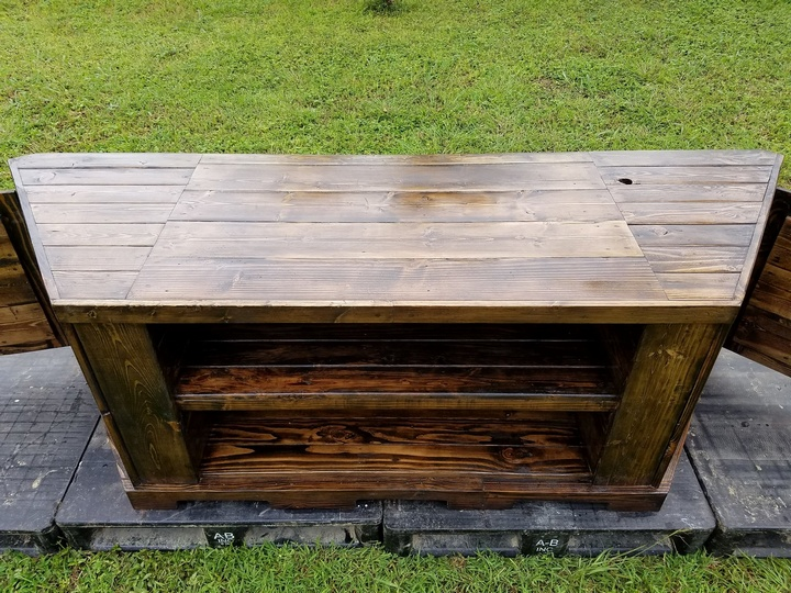 wooden-pallet-entertainment-center