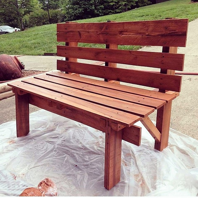 wooden-pallet-patio-bench