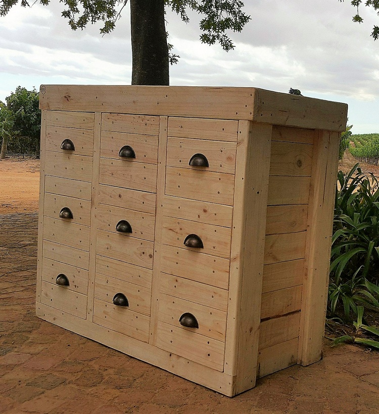 1 pallet chest of drawers