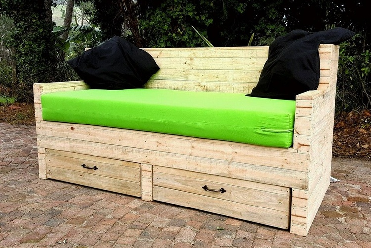 1 pallet couch with storage
