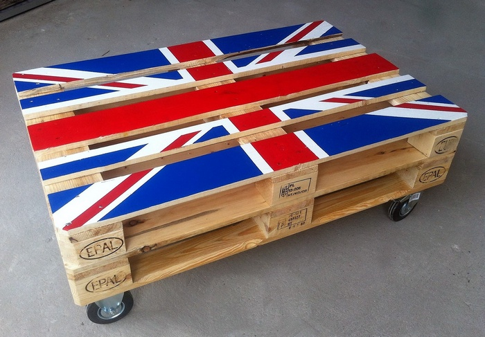 1 pallet flag top table