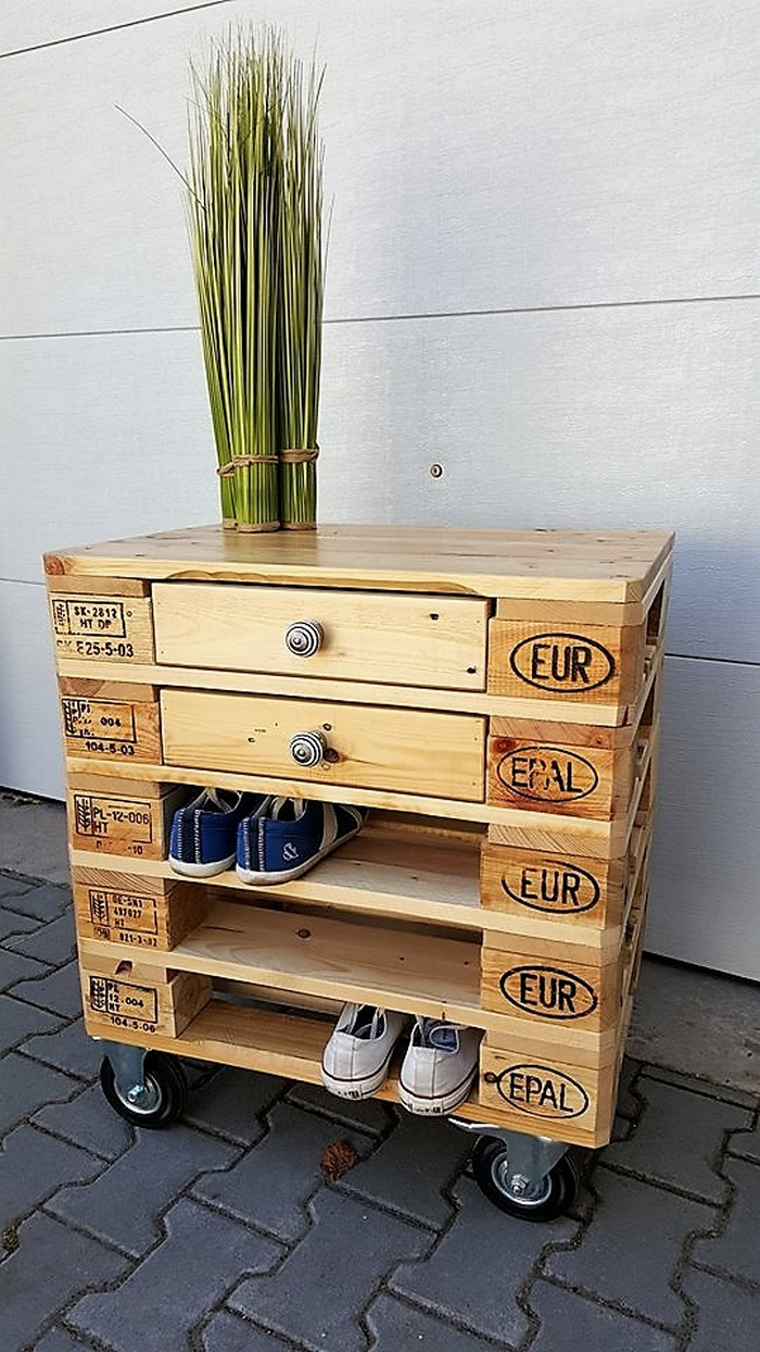 1 pallet side table cum shoe rack 2