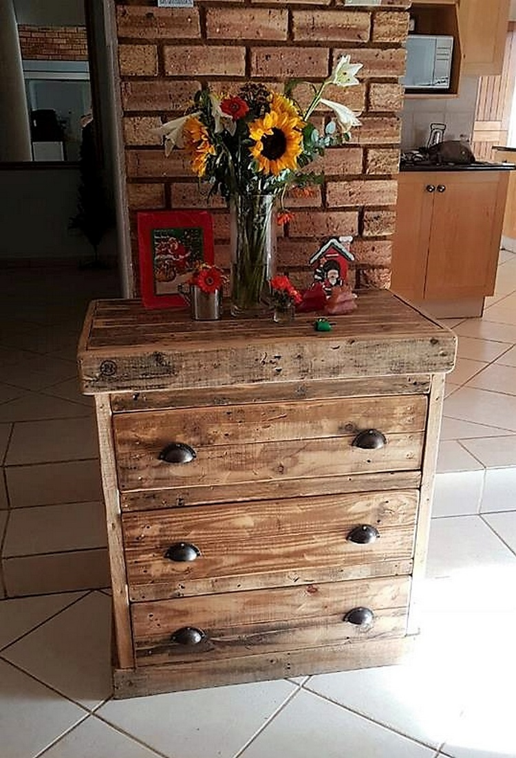 1 pallet side table with drawers