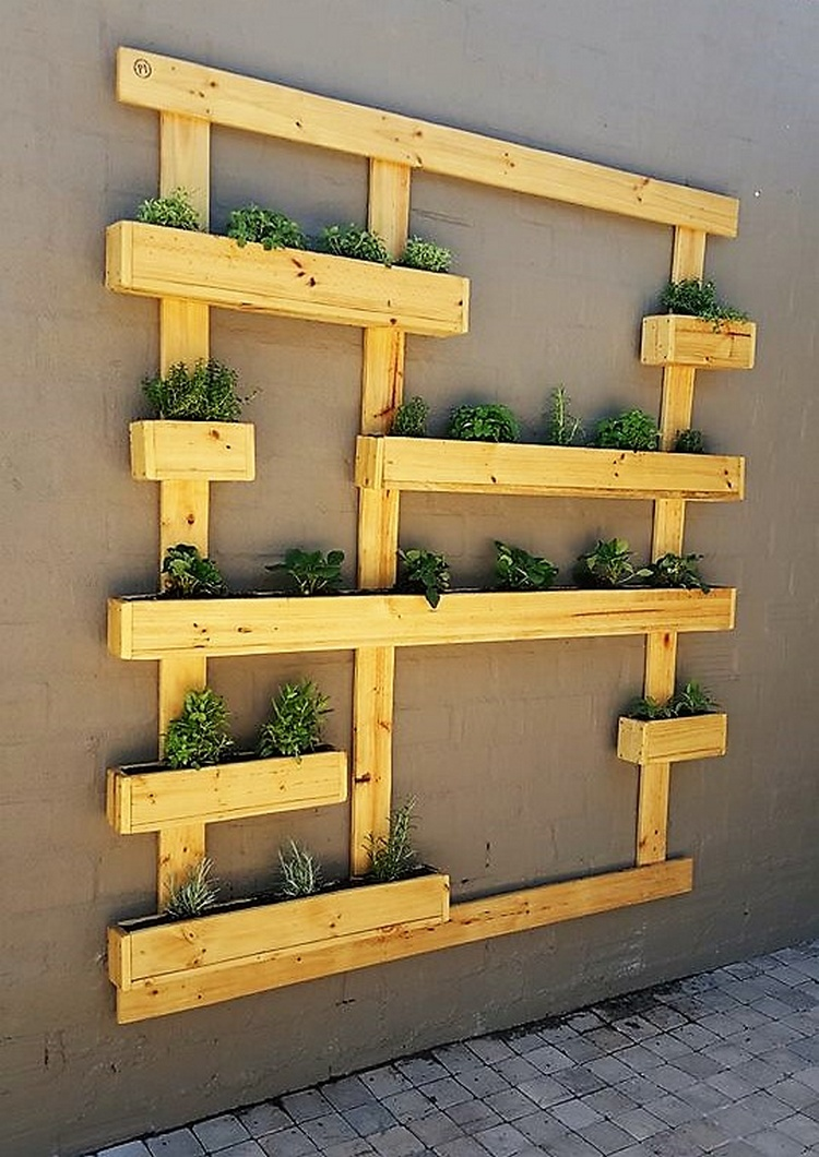 1 wood pallet wall planter