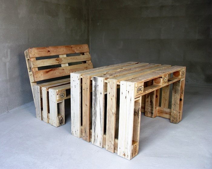 1 wooden pallet furniture