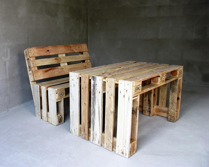 1 wooden pallet furniture