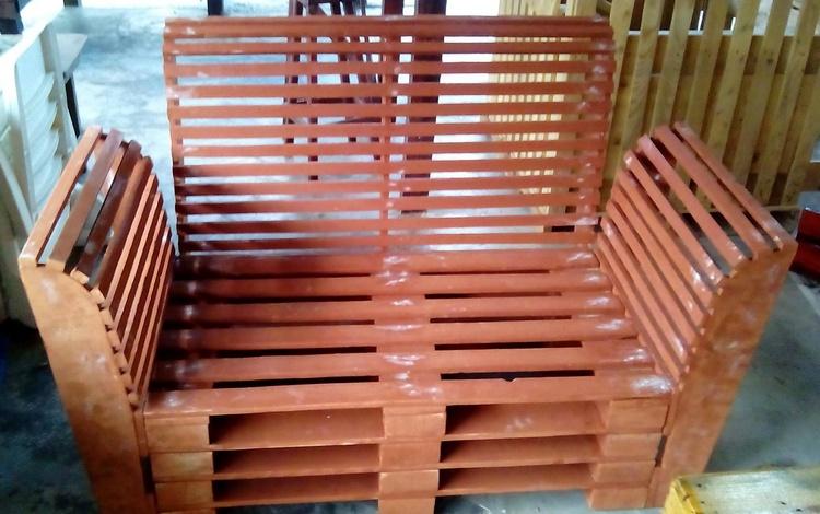 2 - pallet chair idea