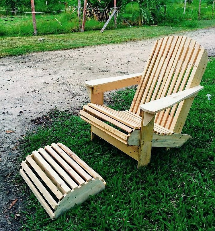 2 pallet chair with footrest