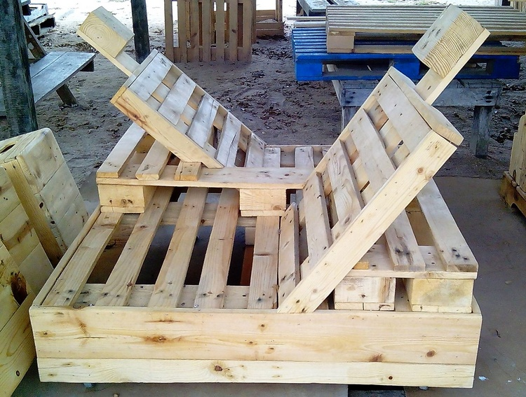 2 pallet double chair