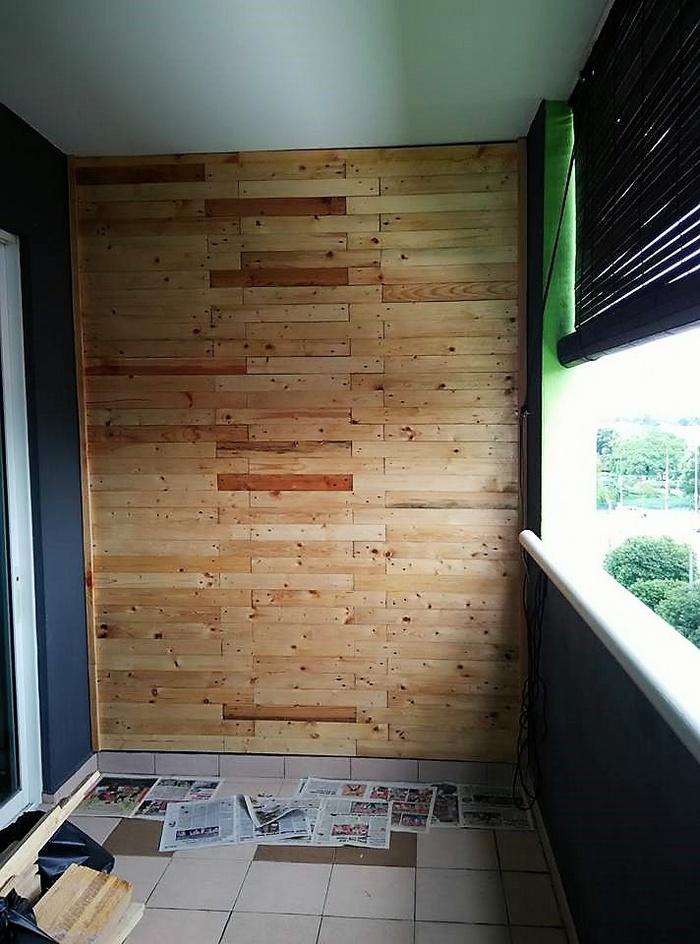 2 wood pallet wall art