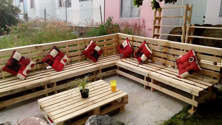 outdoor pallets made furniture
