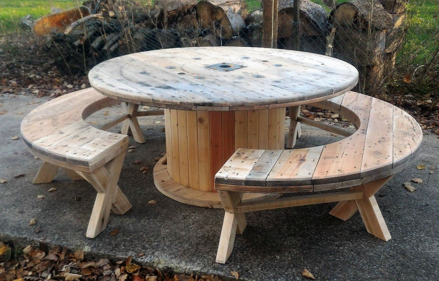 pallet-cable-reel-recycled-furniture