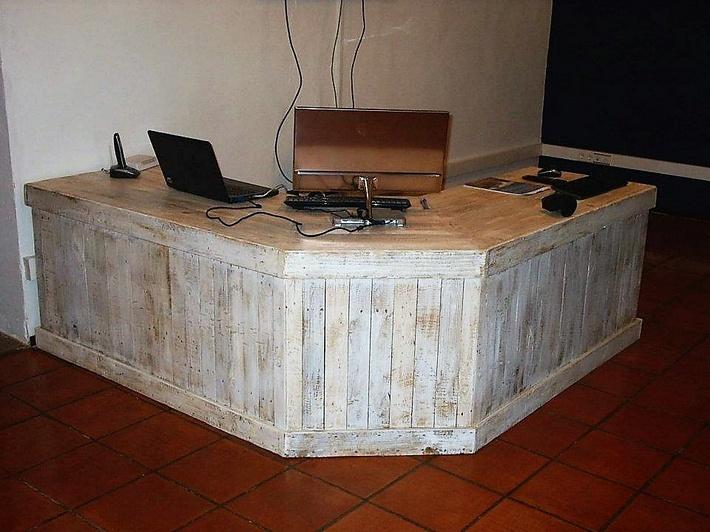 pallet-counter-desk
