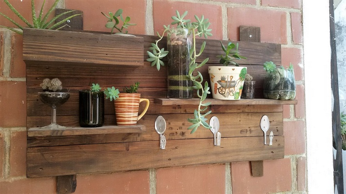 pallet-decor-shelving