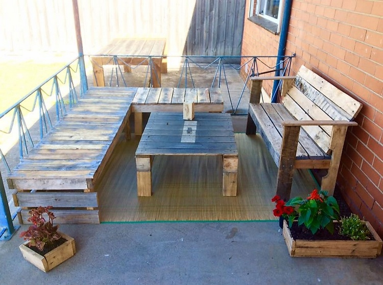 pallet lounger furniture