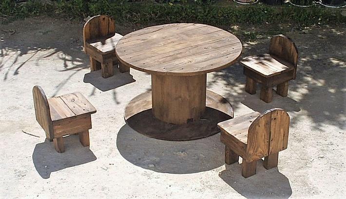 pallet-plus-cable-reel-patio-furniture