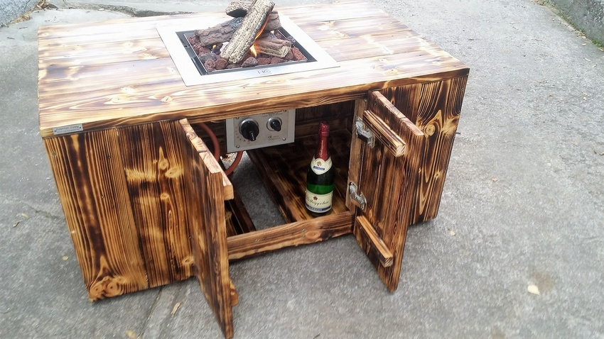 pallet table with inside firepit