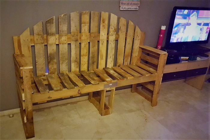 pallet wooden rustic bench