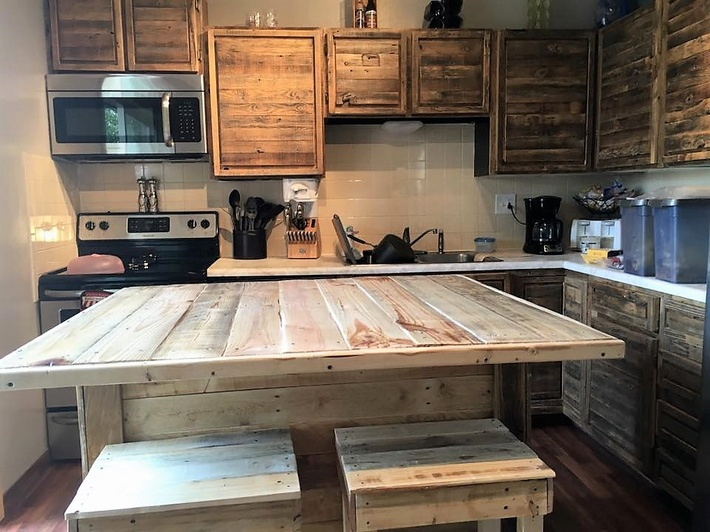 pallet-works-in-kitchen