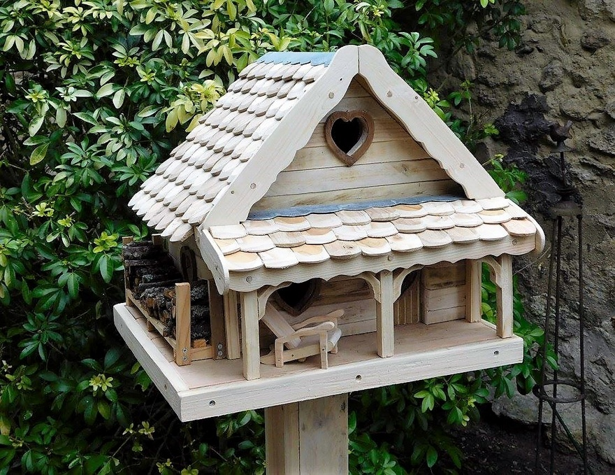 pallets made birds house