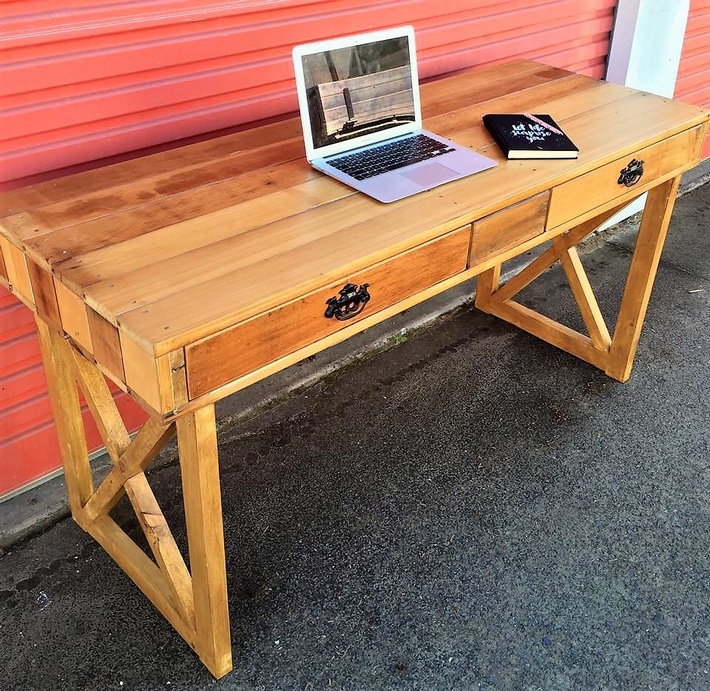 pallets made double drawer desk