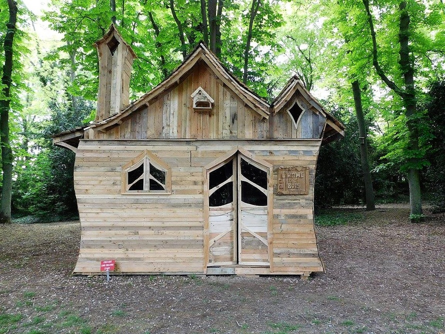 pallets-wood-made-patio-cabin-plan