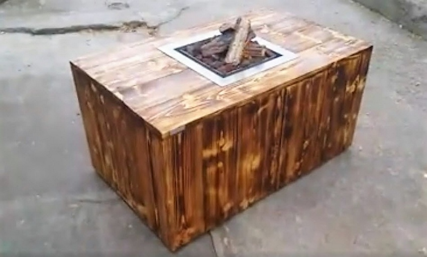 Pallets coffee table with inside firepit pallet ideas for How to make a pallet fire pit table