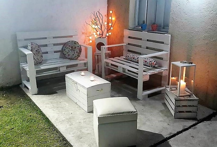 recycled-pallet-lounger-furniture