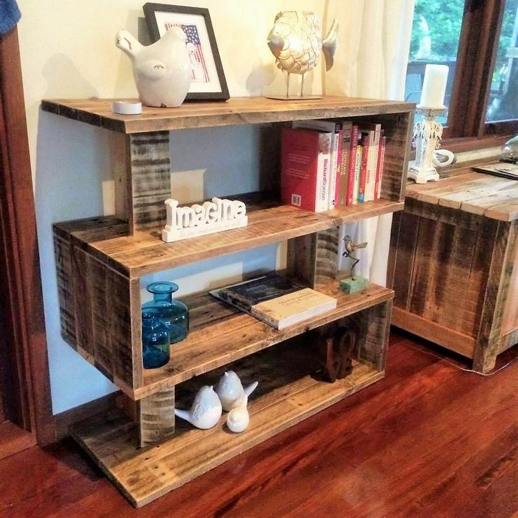 recycled pallet shelving idea