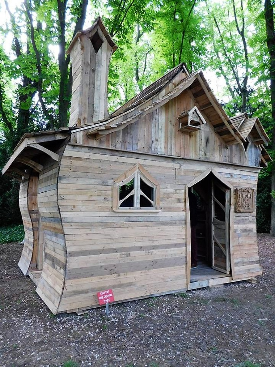 repurposed-wood-pallet-cabin-plan