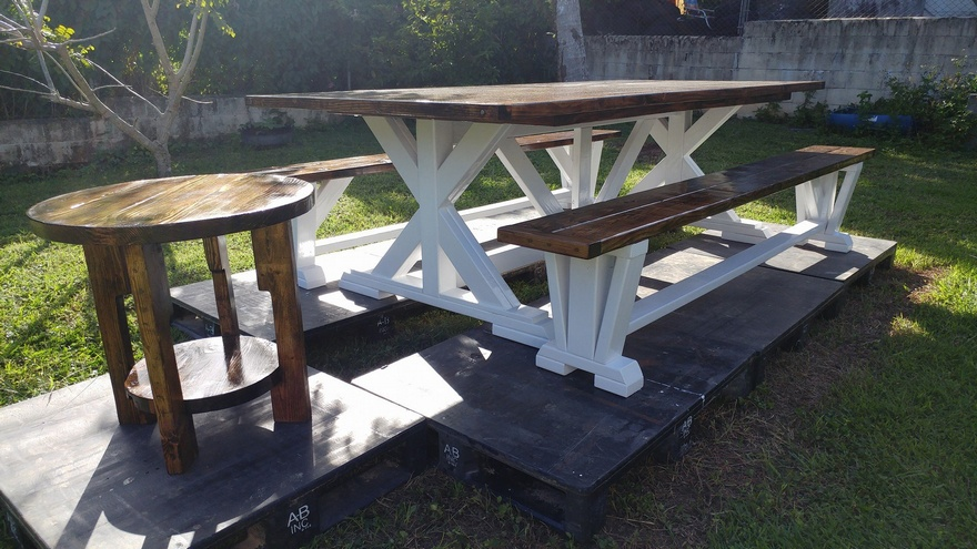 upcycled-pallet-farmhouse-furniture