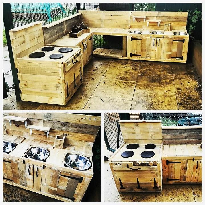 wood-pallet-mud-kitchen-1