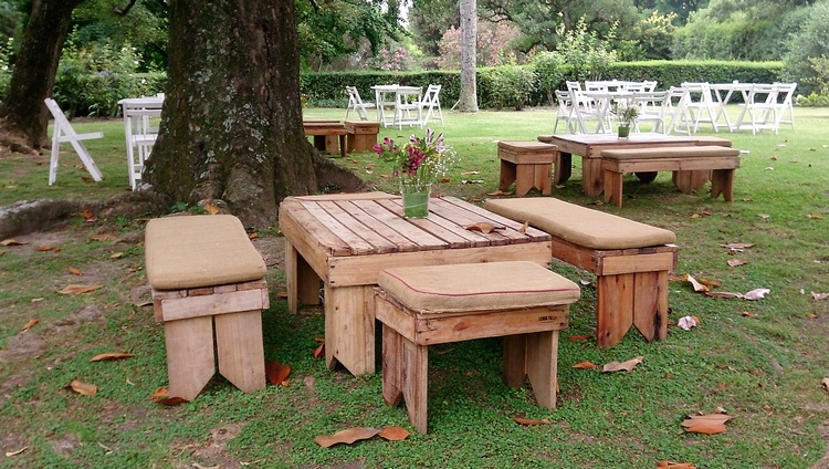 wooden-pallet-furniture-for-garden