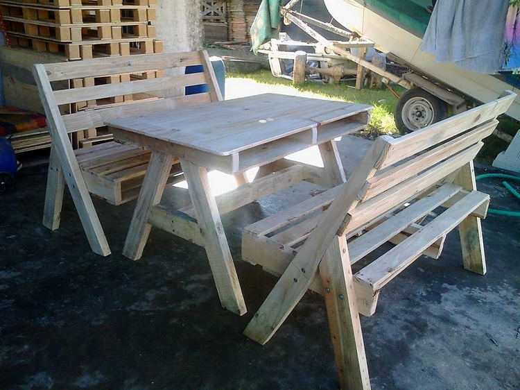 wooden-pallet-furniture