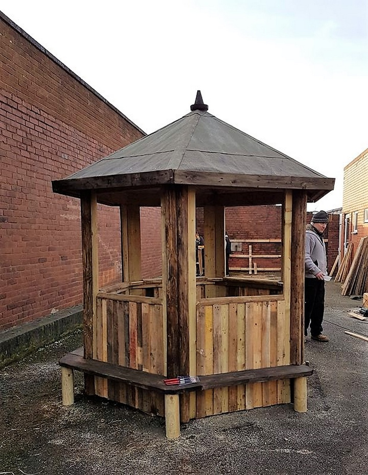 Gazebo Style Pallet Playhouse for Kids