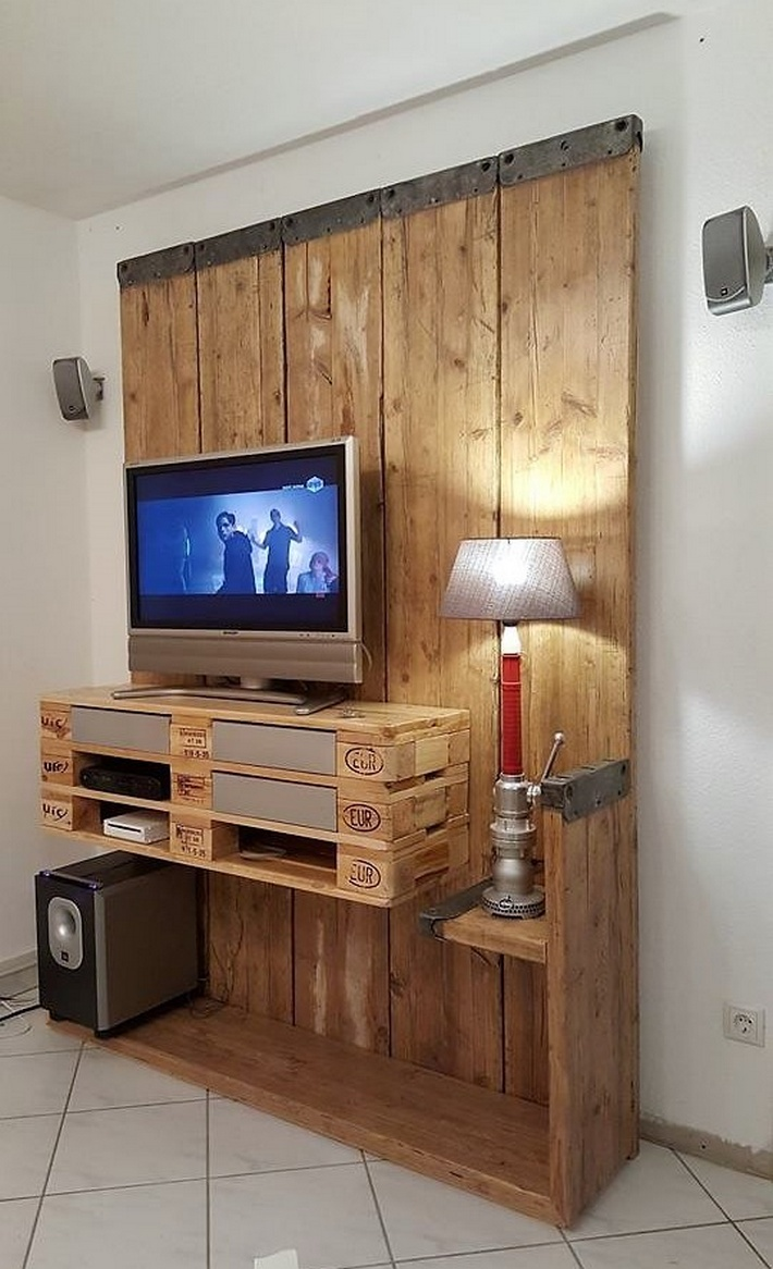 wooden pallet recycled tv stand