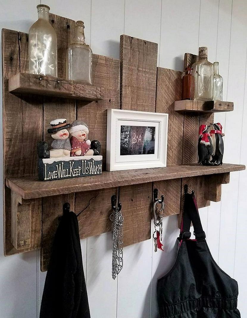 wooden pallet shelf