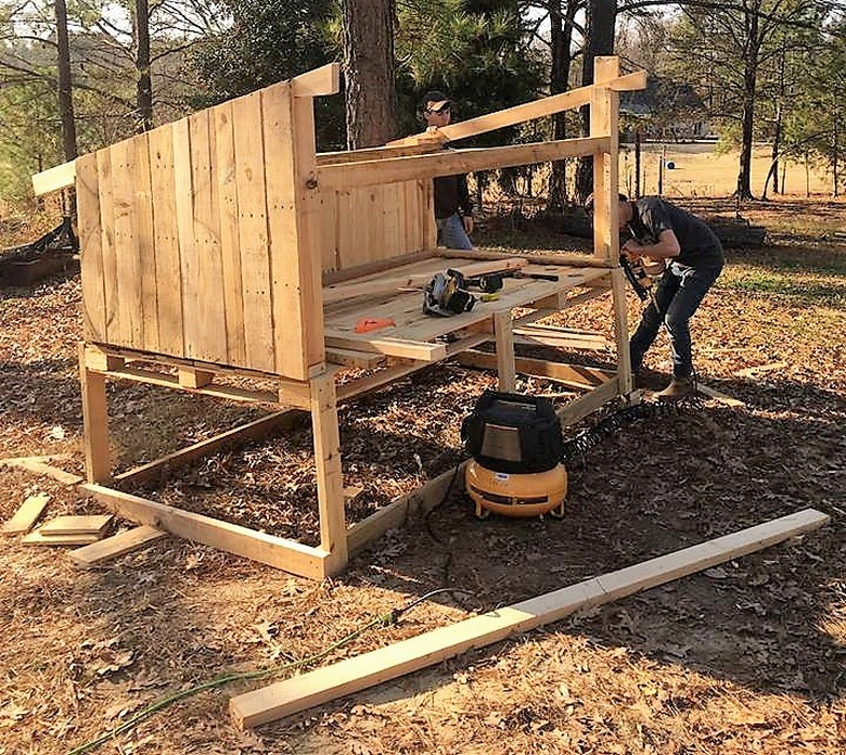 diy wooden pallet chicken coop