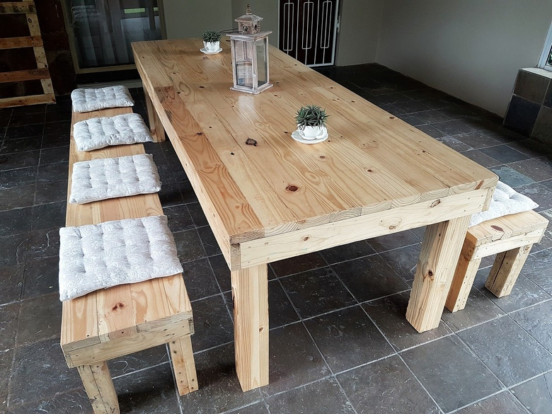 pallet dinning table