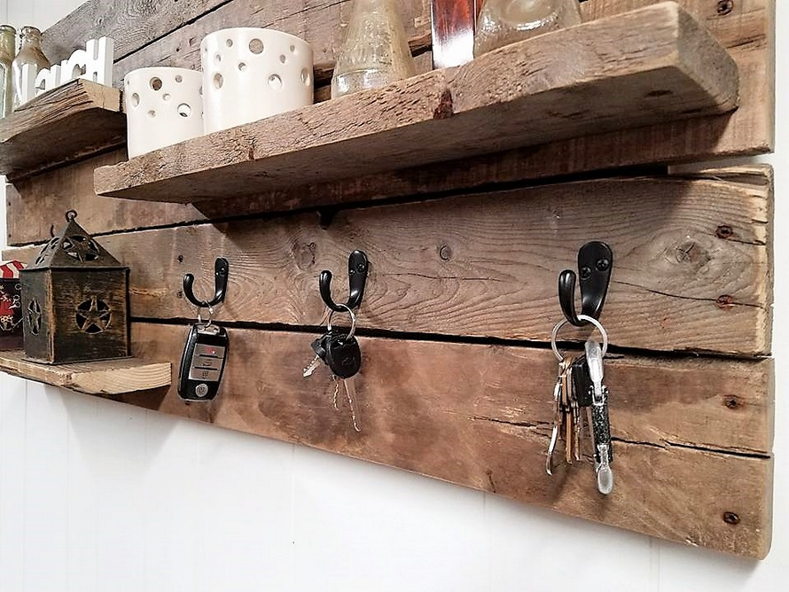 pallet shelf and key holder