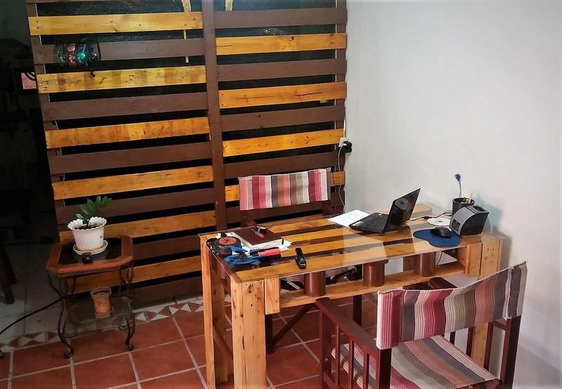 pallet system desk