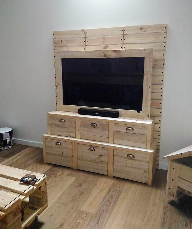 Cheap home furnishings with pallet recycling pallet ideas for Cheap home furnishings