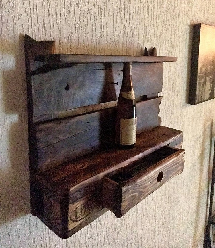 pallets rustic shelf idea