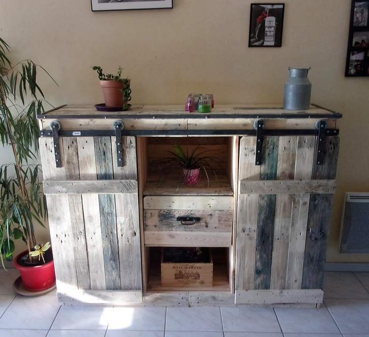 pallets vintage entryway table