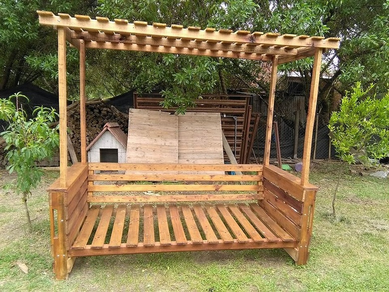 pallets wood patio arbor bench