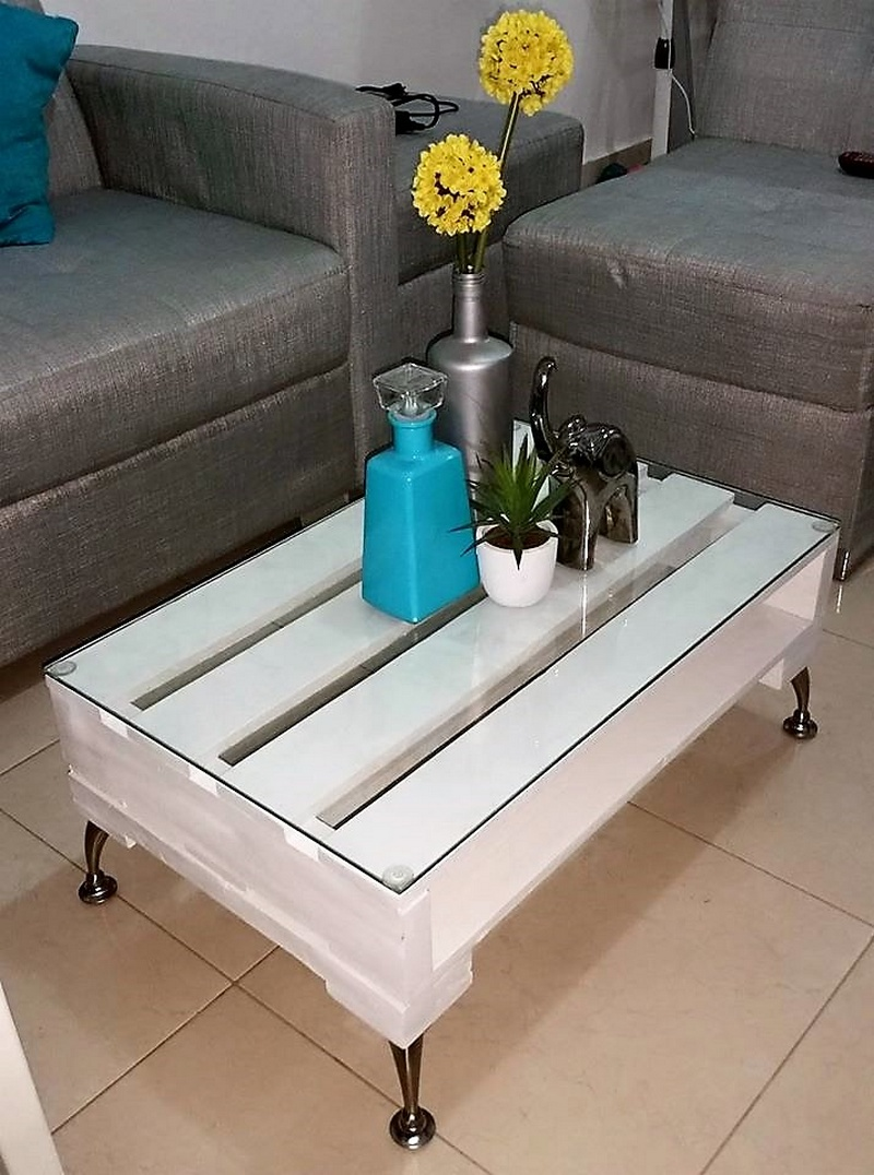 reclaimed pallets coffee table