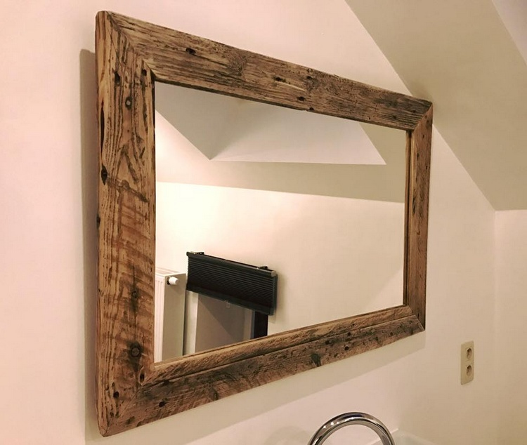 recycled pallet bathroom mirror