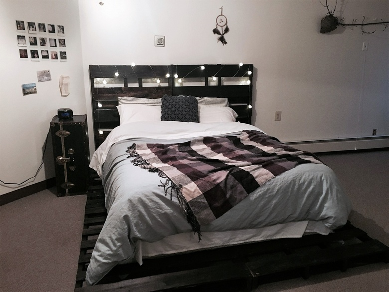 recycled pallet bedframe and headboard