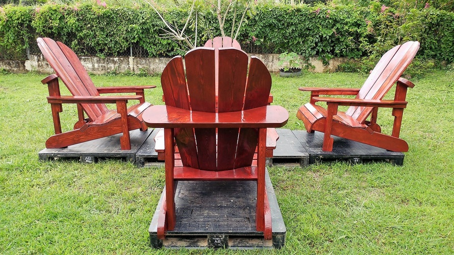 recycled pallets adirondack patio set